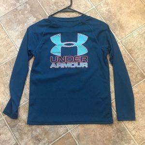 Boys M Under Armor Top